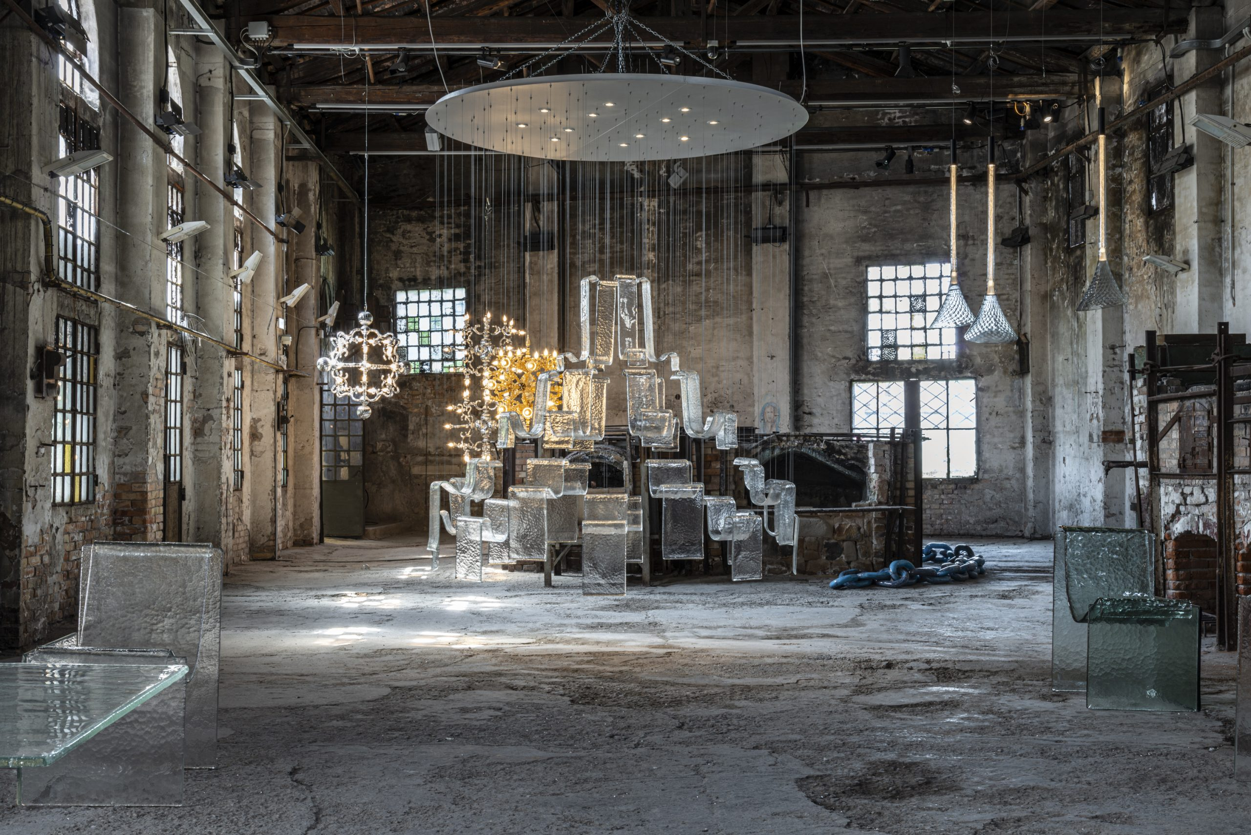 Exhibition-Overview-Room-07-@-Fondazione-Berengo-Art-Space-Murano-©-Leonardo-Duggento-01-1-scaled-1